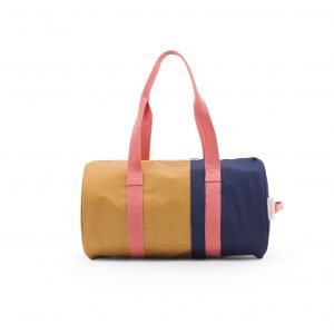 RGR_Stickylemon_productphotography_dufflebag_vertical_pink