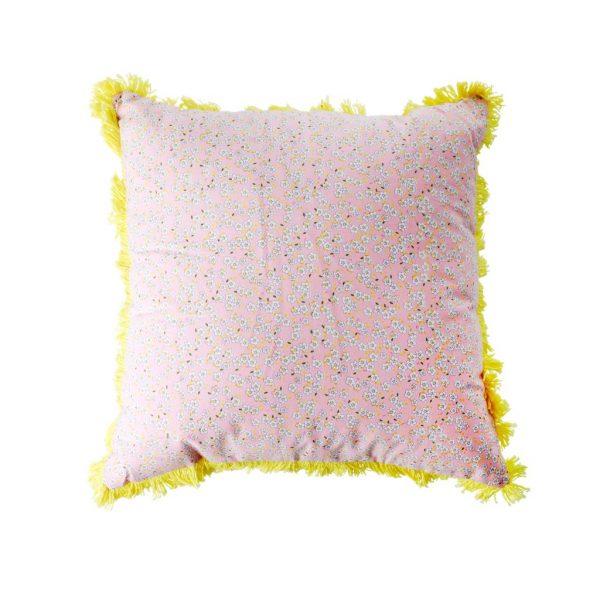 Roze bloemetjes kussen van RICE