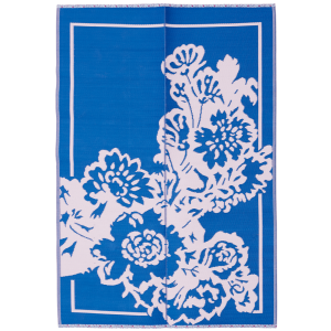 Super pretty and practical plastic floor mat in a lovely flower design and in blue and soft pink colors. Great for both indoor and outdoor use and will make both your hall or your deck shine. These kinds of floor mats are all made from 100% recycled plastic.