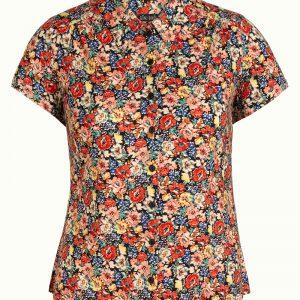 Hippe, funky bloemen blouse van King Louie. Hoe leuk, dat kraagje en de knoopsluiting! Door de toevoeging van stretch een heerlijke blouse om te dragen.
