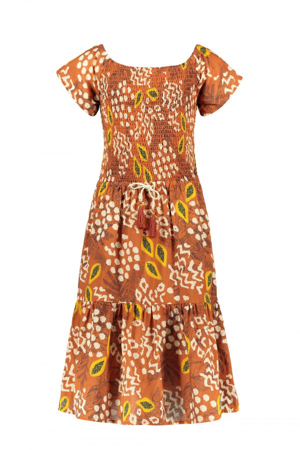 Like FLO: Cognac met papaya print maxi jurk