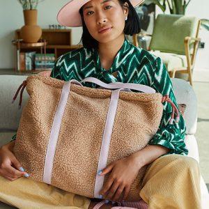 The Sticky Sis club: Tote bag | teddy | light sand
